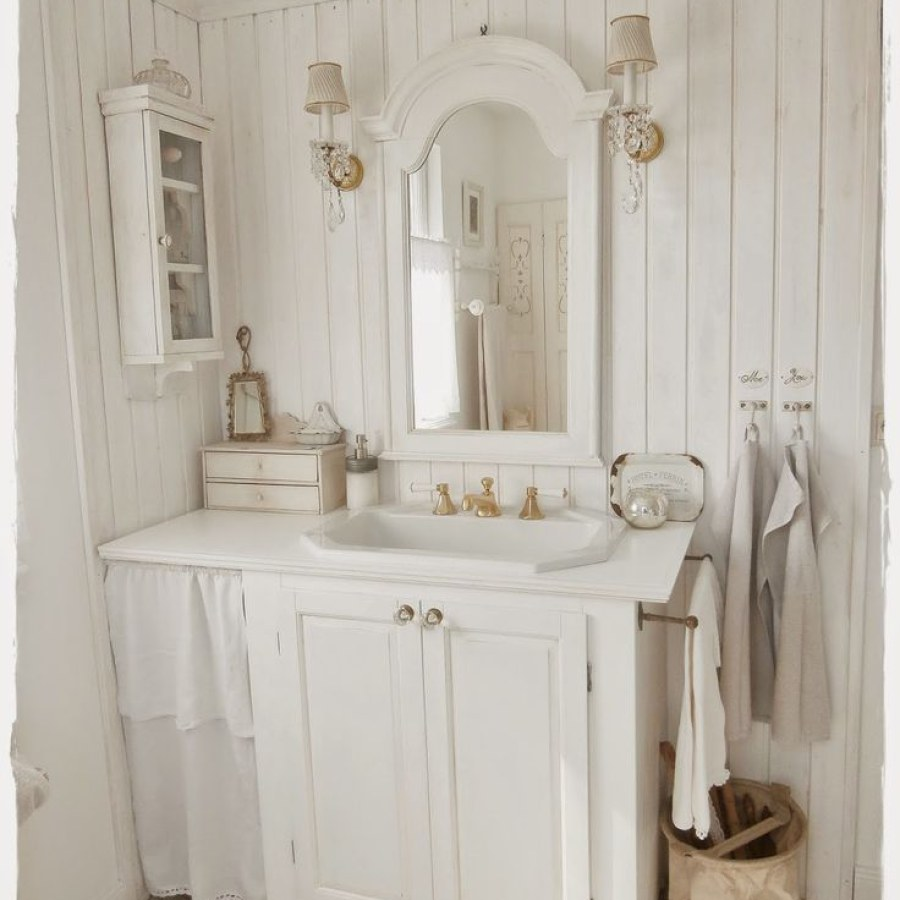 Country Bathroom DIY White Sink Decor Ideas