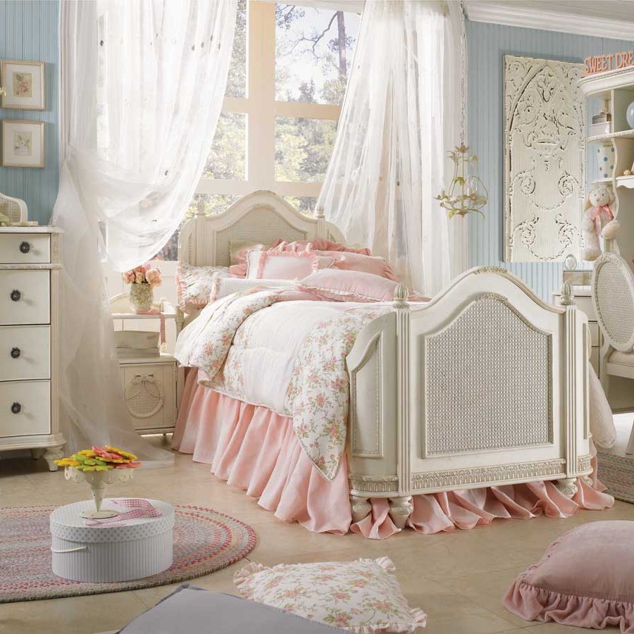 White a& Pink Shabby Chic Bedroom Project Ideas