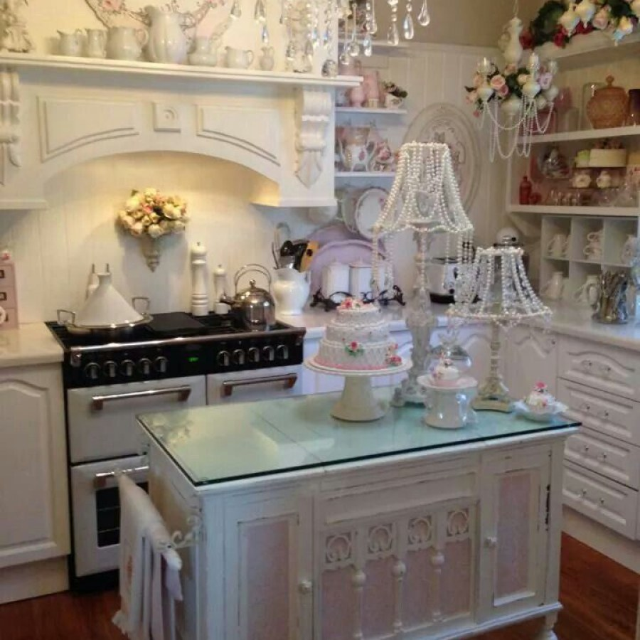 Shabby White Kitchen DIY Decor Ideas