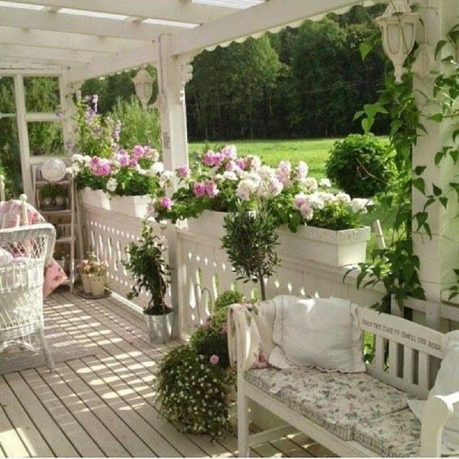 Simple Shabby Chic Outdoor Sofa Decor
