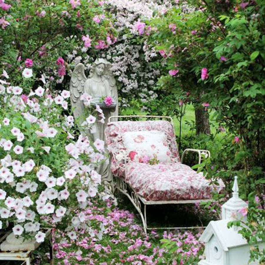 Shabby Chic Outdoor Garden Design