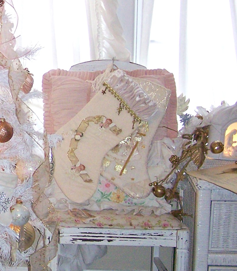 Shabby Chic Christmas Pink Decor Ideas