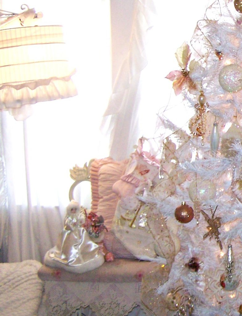 Shabby Chic Christmas Tree Pink Decor Ideas