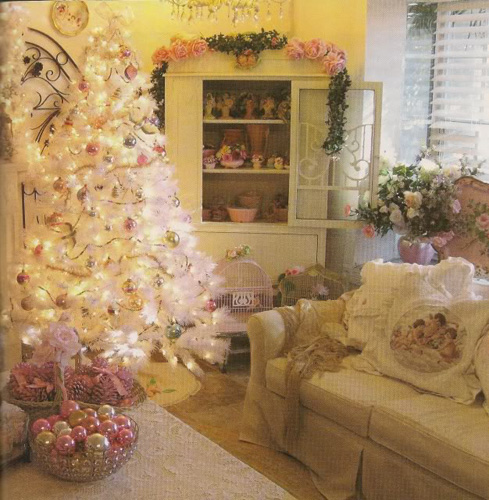 Gold Themed Shabby Chic Christmas Decor Ideas